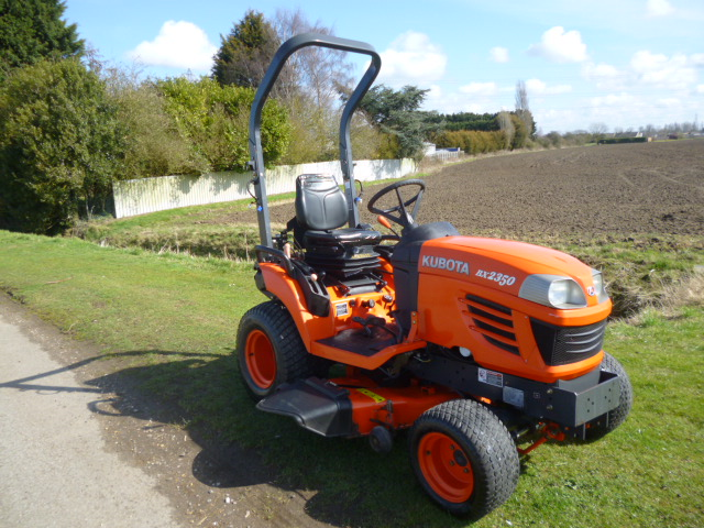 SOLD!!! KUBOTA BX2350 COMPACT TRACTOR