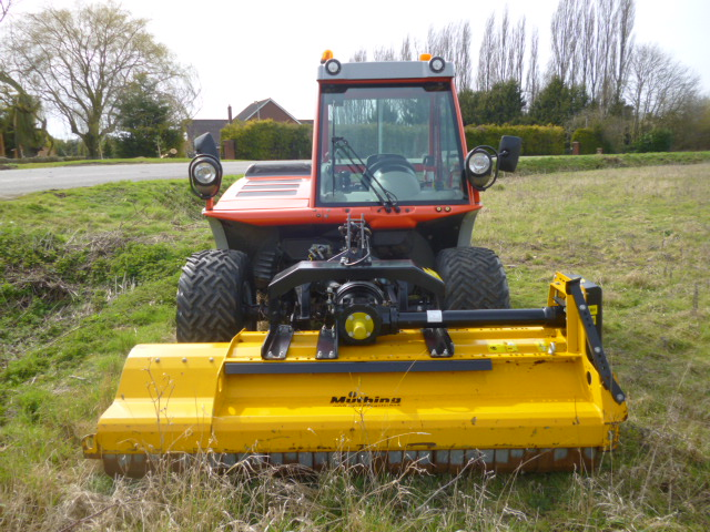 SOLD!!! REFORM METRAC H7X TWO AXLE BANK MOWER & 20