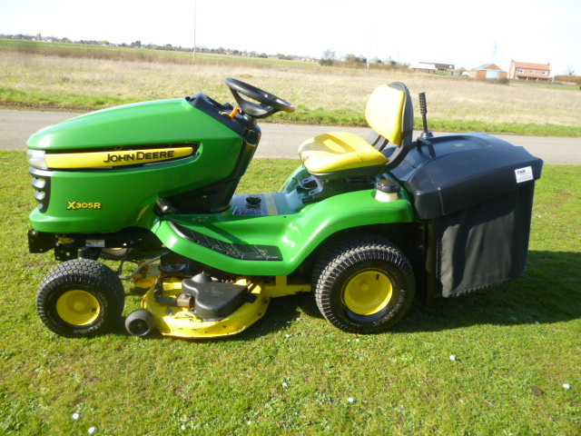 SOLD!!! JOHN DEERE X305R LAWN TRACTOR FAN COLLECTO