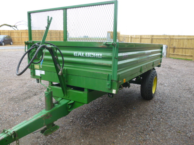 SOLD!!! MARCA GALUCHO RB3000 3 WAY TIP TRAILER