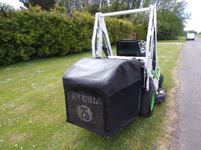ETESIA HYDRO 100 PETROL HIGH TIP RIDE ON MOWER