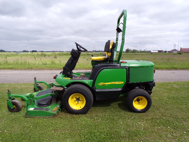 SOLD!!! JOHN DEERE 1545 OUTFRONT RIDE ON MOWER
