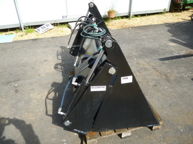 SOLD!!! KIOTI BUCKET 4 IN 1 LOADER