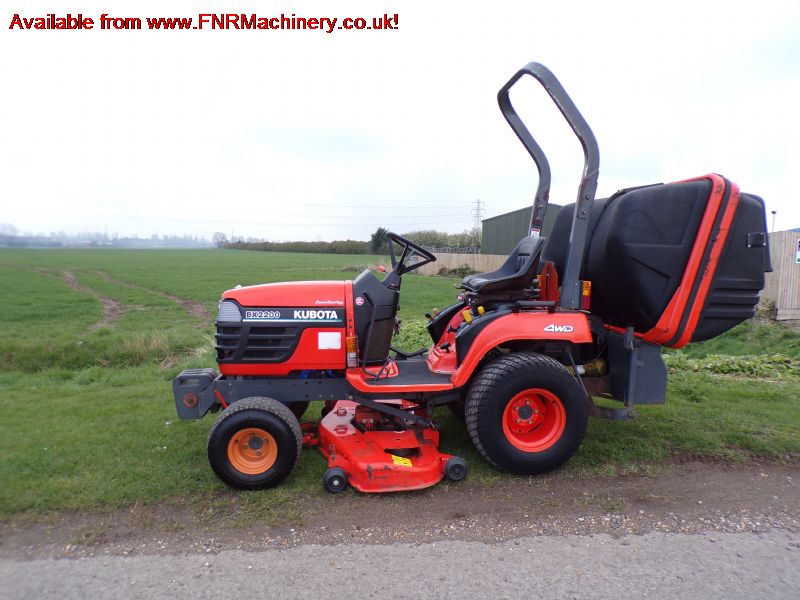 KUBOTA BX2200 SUB COMPACT TRACTOR LOW TIP COLLECTO