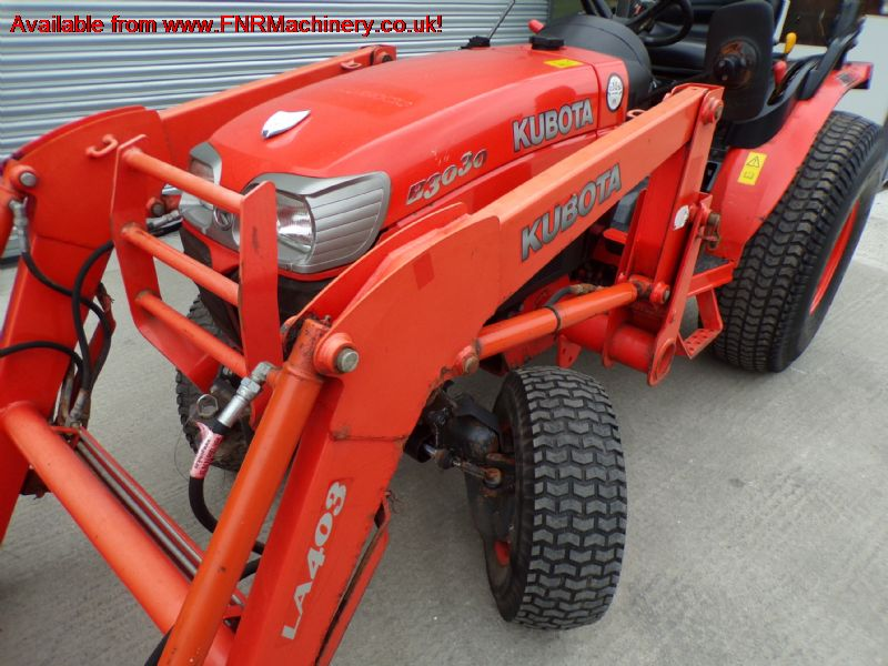 sold ! KUBOTA B3030 COMPACT TRACTOR AND FRONT LOAD