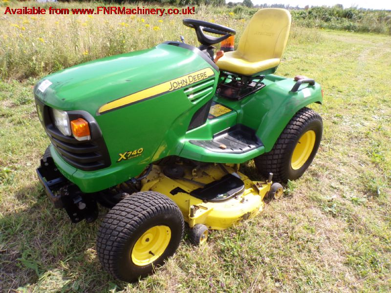 JOHN DEERE X740 2WD MID ROTARY MOWER