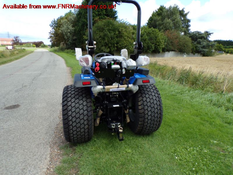 SOLIS 26 COMPACT TRACTOR WITH TURF TYRES