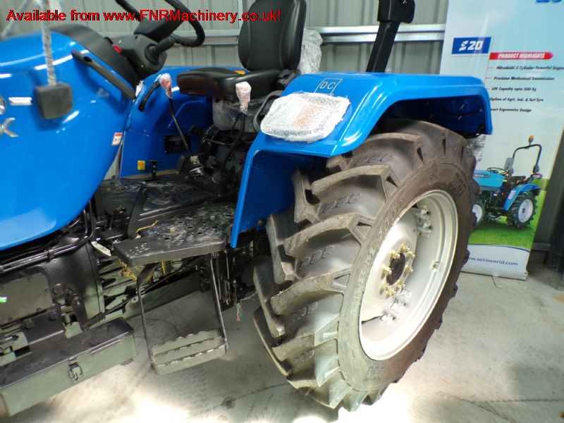 SOLIS 50 RX TRACTOR WITH AGRI TYRES