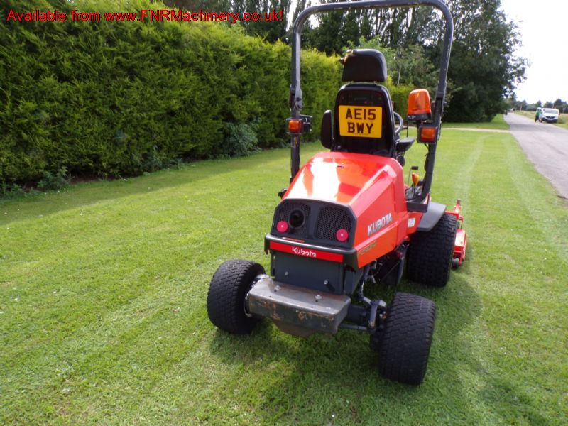 KUBOTA F3890 4WD OUTFRONT ROTARY MOWER