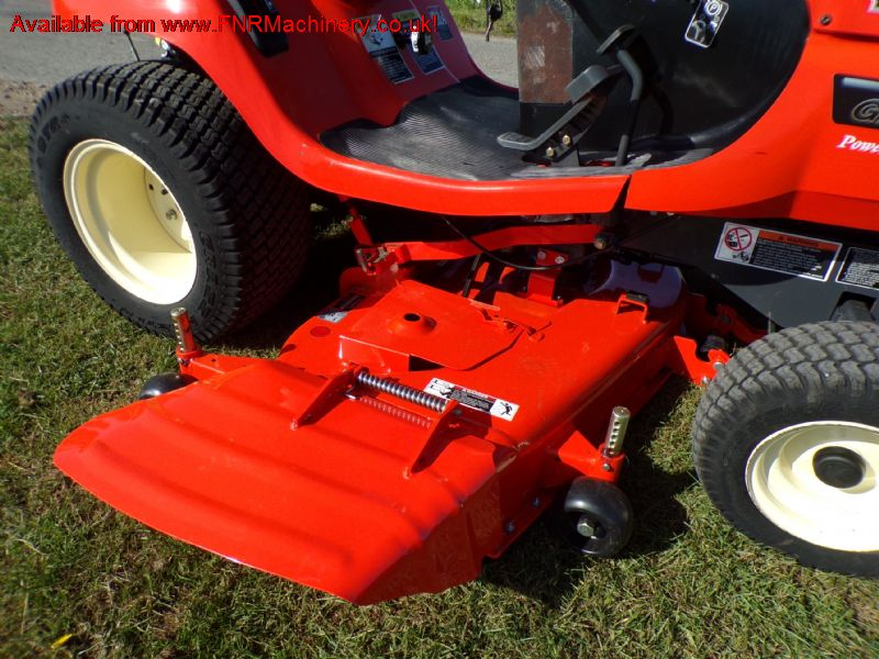 KUBOTA G2160 MID DECK SIDE DISCHARGE RIDE ON MOWER