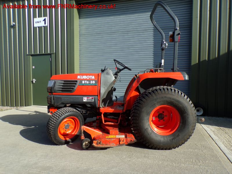 KUBOTA STA 35 COMPACT TRACTOR WITH MID ROTARY DECK