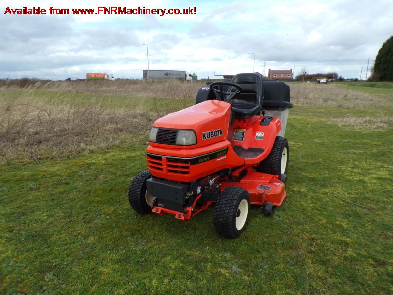 KUBOTA G2160 WITH COLLECTOR MOWER