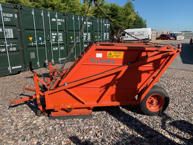 sold ! kubota sweeper tsc120 pto driven collector