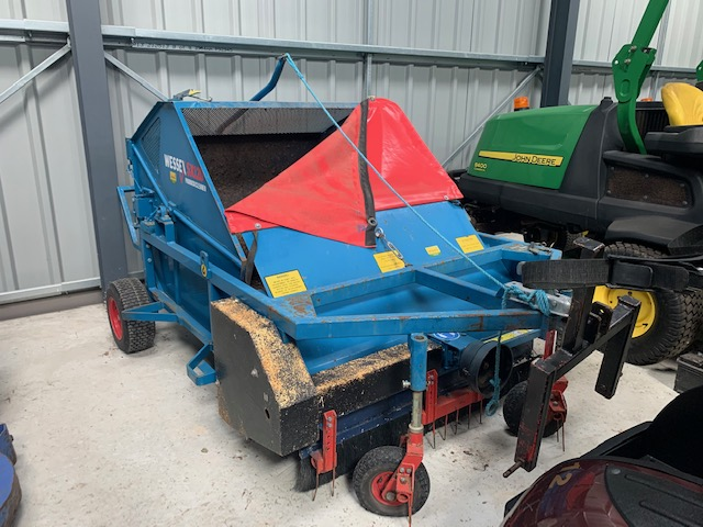 SOLD ! WESSEX PADDOCK CLEANER/SWEEPER SX120 LEAVES