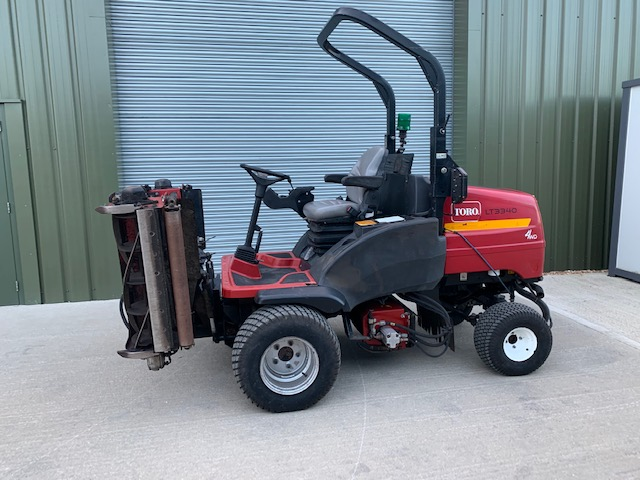 TORO LT3340 TRIPLE RIDE ON MOWER