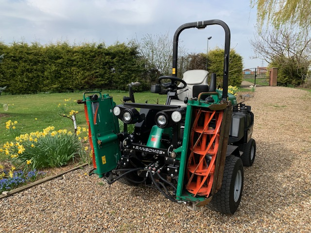 RANSOMES PARKWAY 3 METEOR RIDE ON MOWER