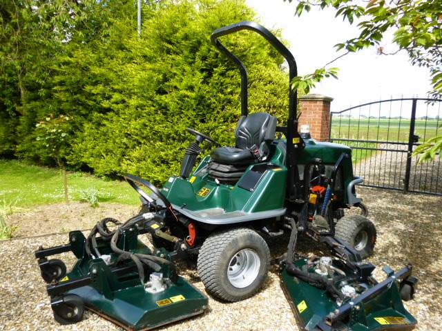 SOLD!!! HAYTER R324T  BATWING RIDE ON MOWER 2006
