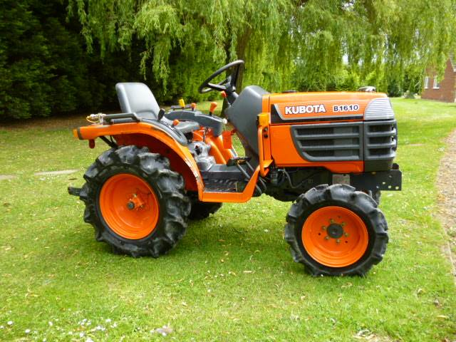 Kubota Tractor Emblems : Kubota b compact tractor diesel only hours pto