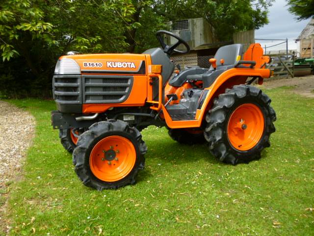 Small Tractors With Pto : Kubota b compact tractor diesel only hours pto