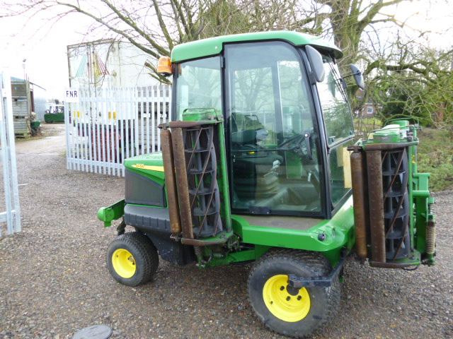 SOLD!!! JOHN DEERE 1905 RIDE ON MOWER