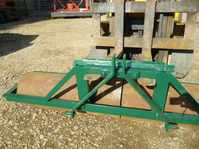 SOLD!!! SISIS GROUNDCARE 6FT TWIN ROLLER