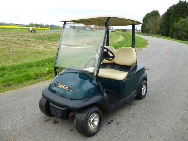 SOLD!!! CLUBCAR GOLF BUGGY ELECTRIC