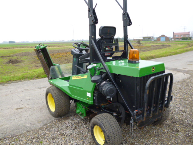 SOLD!!! JOHN DEERE 900 TRIPLE GANG MOWER