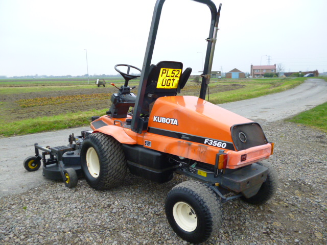 SOLD!!! KUBOTA F3560 OUTFRONT MOWER