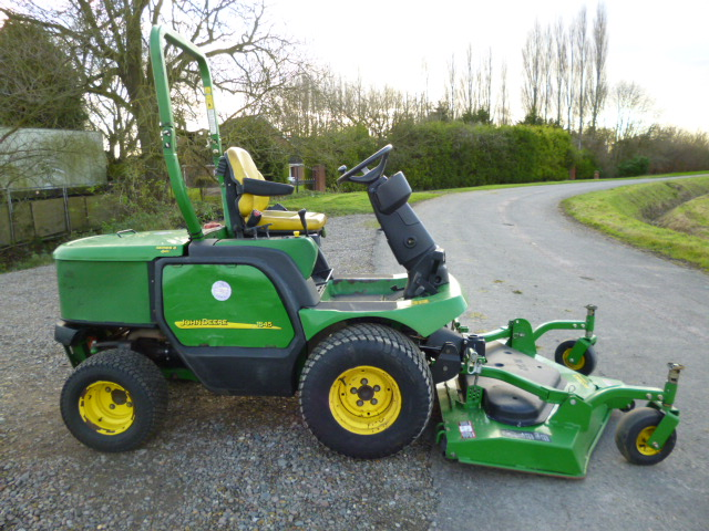SOLD!!! JOHN DEERE 1545 OUTFRONT MOWER