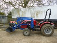 SOLD!!! MAHINDRA 254 TRACTOR LOADER