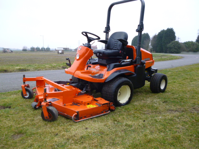 SOLD!!! KUBOTA F3680 OUTFRONT ROTARY RIDE ON