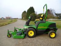 SOLD !1 JOHN DEERE F1445 OUTFRONT ROTARY RIDE