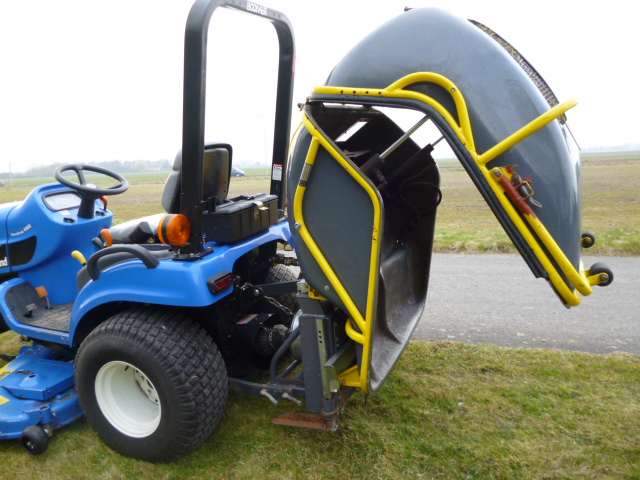 SOLD!!! NEW HOLLAND FORD TZ25DA TRACTOR MOWER