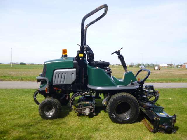 SOLD!!! HAYTER LT324 RIDE ON TRIPLE MOWER 4WD