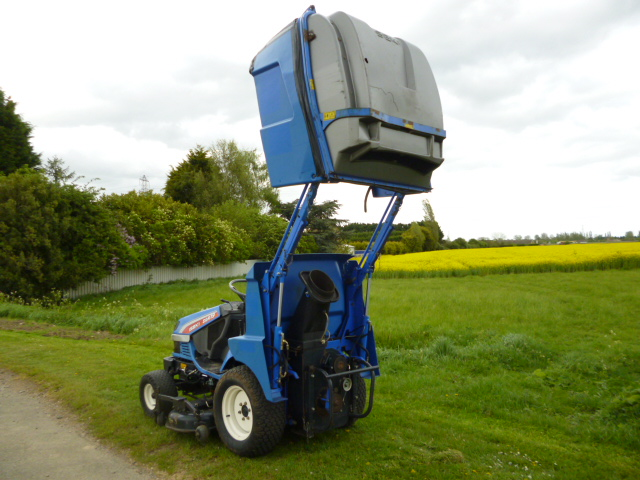 SOLD!!! ISEKI SGR19 HIGH TIP MOWER RIDE ON DIESEL